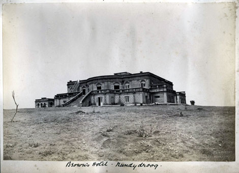 Brown's Hotel in Nandi Hills or Nandidurg in the Chikkaballapur district of Karnataka - c1880's - Nandi Hills (Nandidurg, Nandidrug, Nandydroog, Kushmandagiri, Nandagiri , Anandagiri), Chikkaballapur